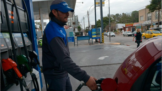 El Municipio de Ituzaingó aumentó el impuesto a las naftas pese a que se lo prohiben
