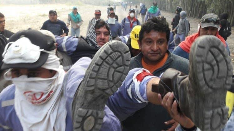 La policía reprime con balas de plomo una huelga en Salta: Dos heridos graves