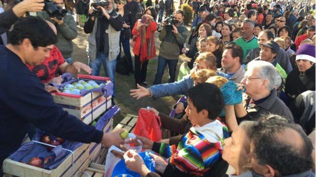 Desde las 11 de la mañana, productores regalaran verduras en Plaza de Mayo