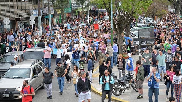 Multitudinaria marcha en Ituzaingó pidiendo justicia por Diego Roda