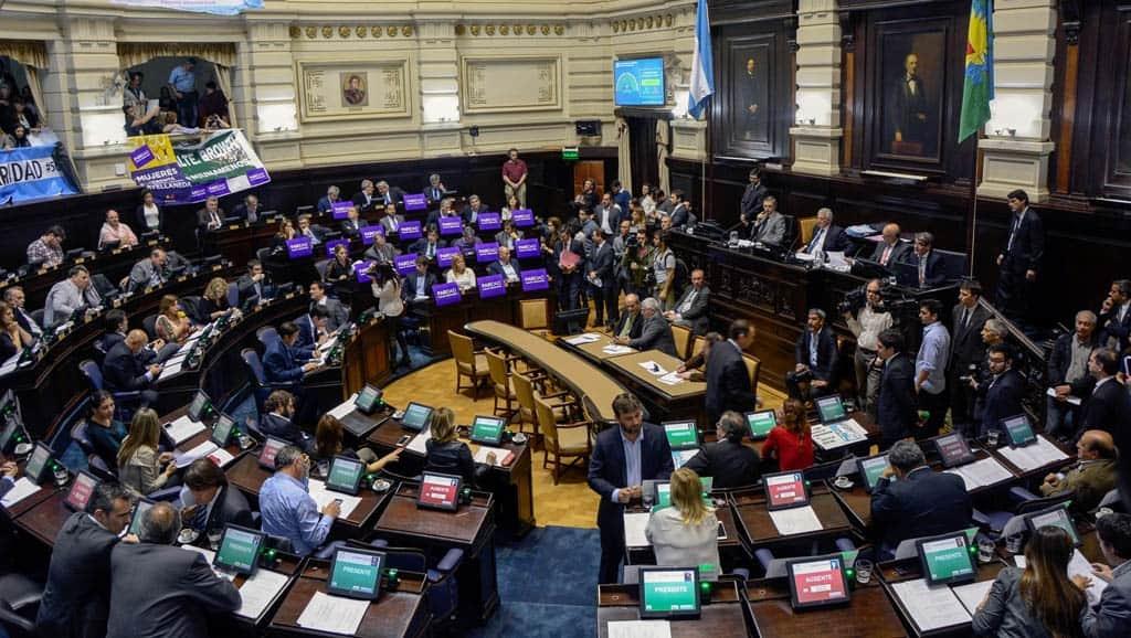 """""""Una y Uno"""": Es ley la paridad de género en las listas electorales"""