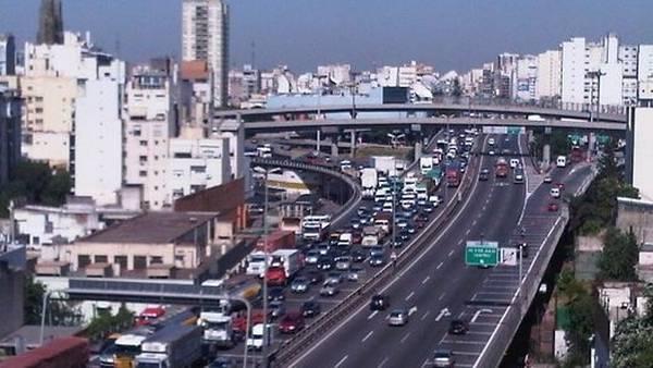 Viajar desde Ituzaingó a Capital todos los días costará $ 12.500 pesos por mes