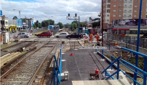 Problemas y quejas con los andenes provisorios de la estación del ferrocarril