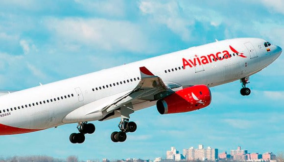 Imputan a al presidente Macri y lo acusan de favorecer a empresas aéreas de su familia