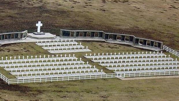 Comenzaron los trabajos para identificar a los combatientes de Malvinas enterrados en Darwin