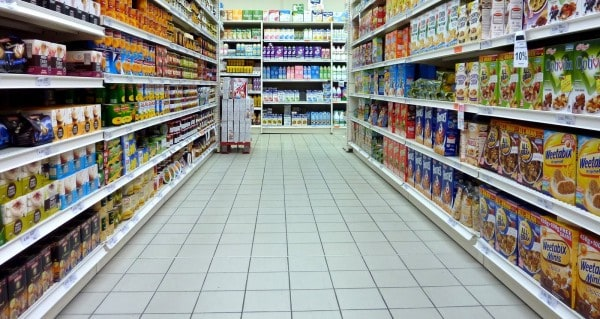 Volvió a caer el consumo en febrero un 6,6 %