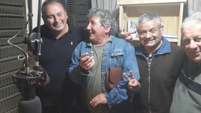 Comenzaron los decomisos de las radios comunitarias: Se llevan retenidos a los periodistas