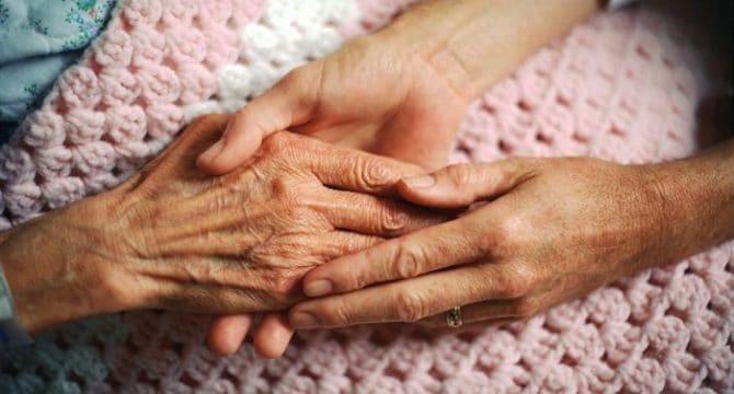 El maltrato más común que sufren millones de personas mayores en el mundo es el psicológico