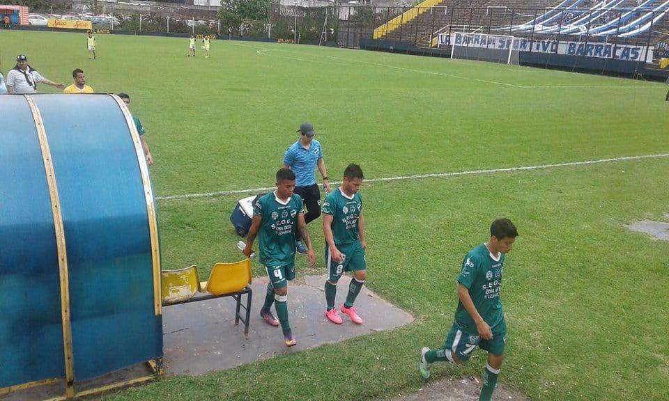 Ituzaingó perdió con Sportivo Barracas 2 a 0.