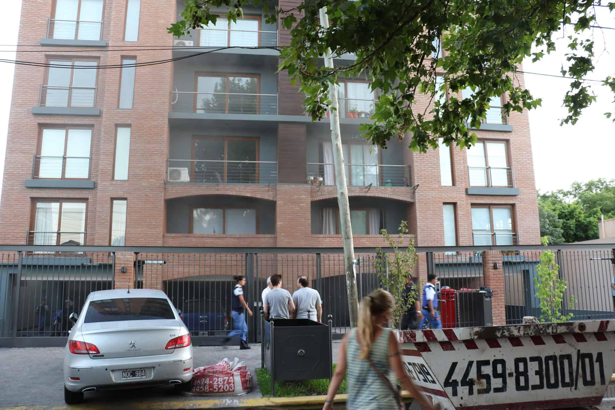 Denuncian graves irregularidades en la construcción del edificio incendiado sobre la calle Olazabal