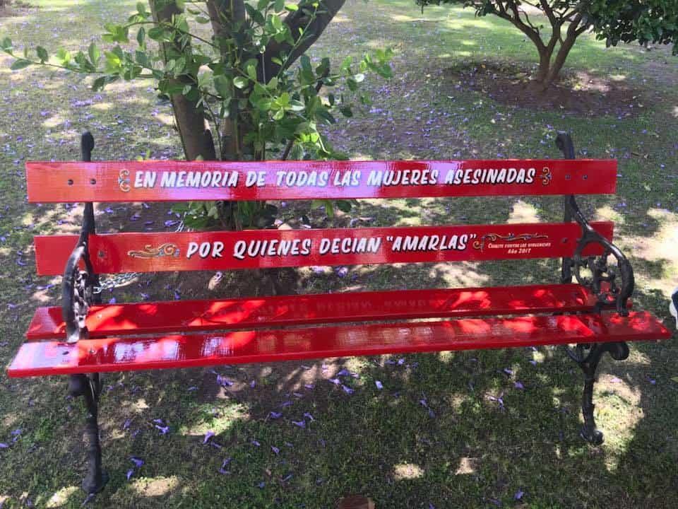 """el """"Banco Rojo"""" un símbolo contra el femicidio"""