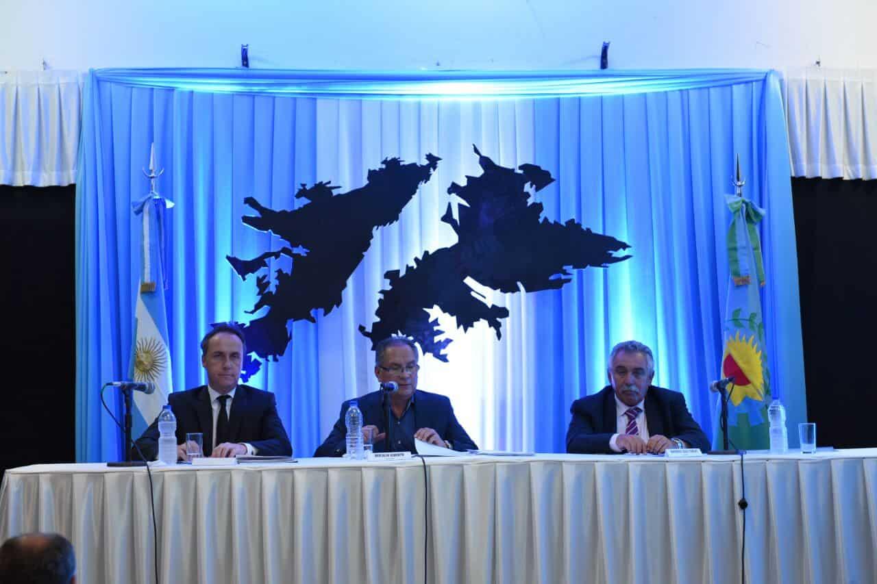 Sesión inaugural: Descalzo presiona a la Provincia para que abra el Hospital del Bicentenario