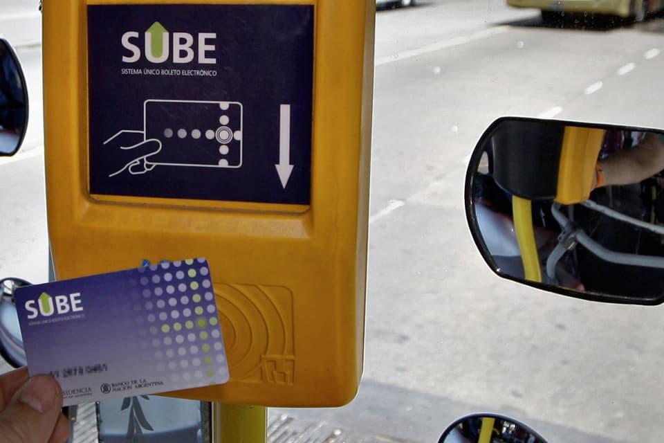 En plena crisis el gobierno ya no permitirá más pagar el peaje con la tarjeta SUBE