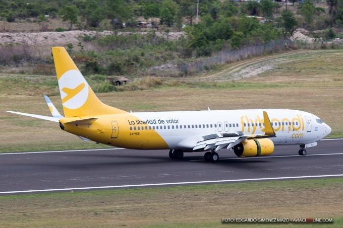Un avión de Flybondi tuvo un accidente en la pista de Iguazú y quedó en desuso