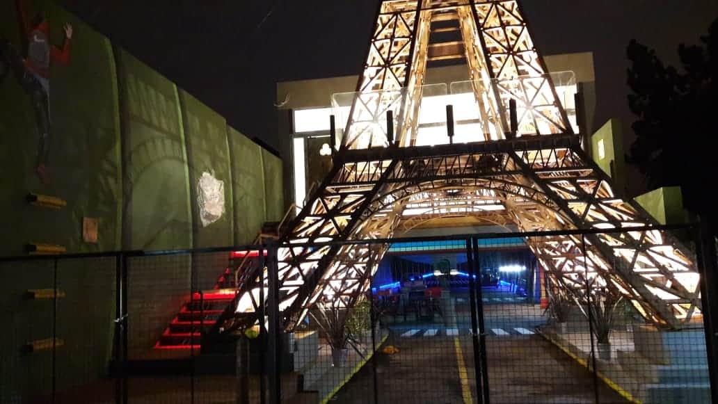 Se inaugura la torre eiffel de ituzaing diario la ciudad for Quien hizo la torre eiffel