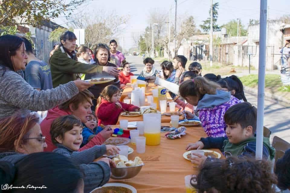 Por la crisis, el Centro Comunitario Minka ahora organiza ollas populares
