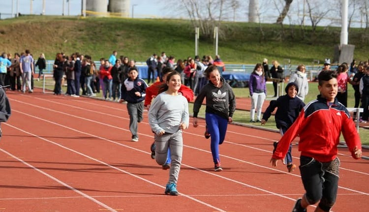 Se inaugura la pista de atletismo en La Torcaza