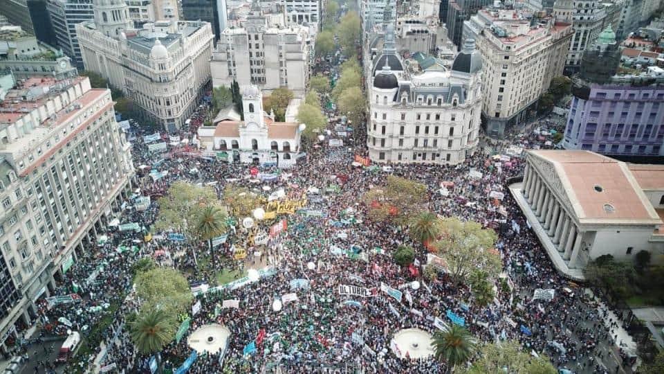 """Hugo Yasky en Plaza de Mayo: """"Debe tener las rodillas entumecidas"""""""