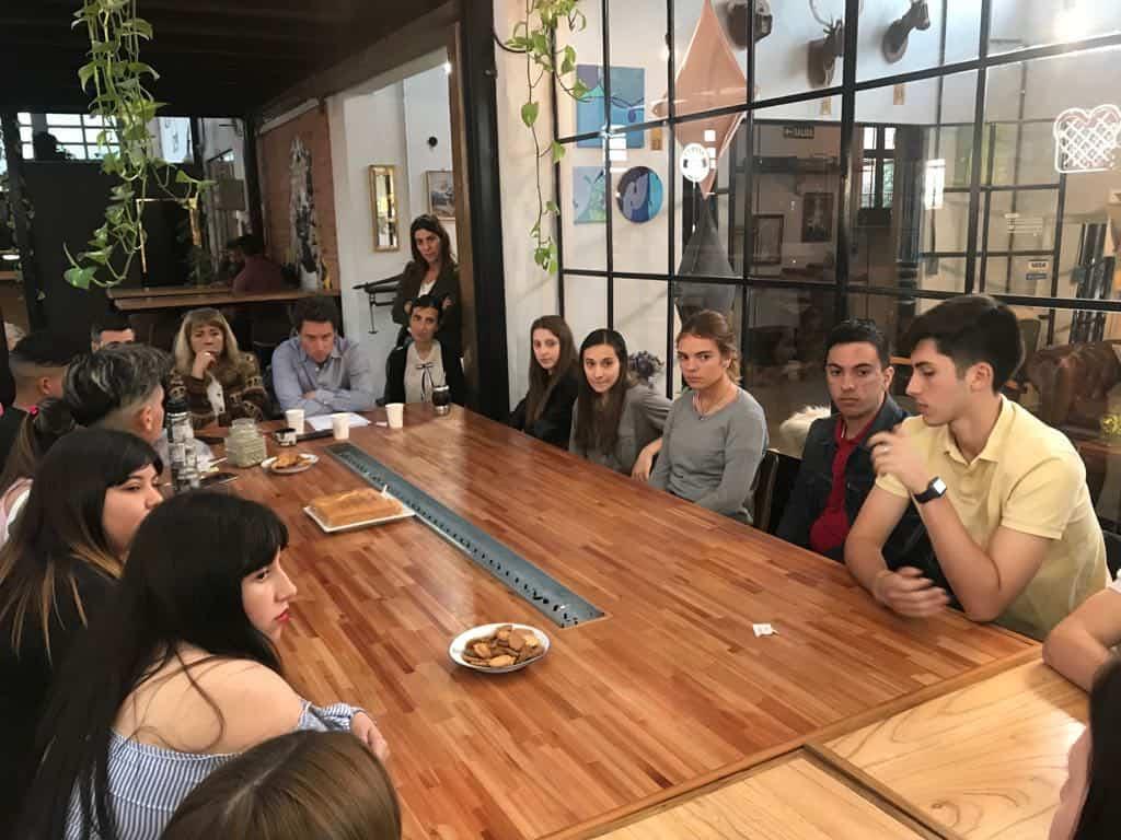 El Ministro de Educación se reunió en Ituzaingó con alumnos secundarios