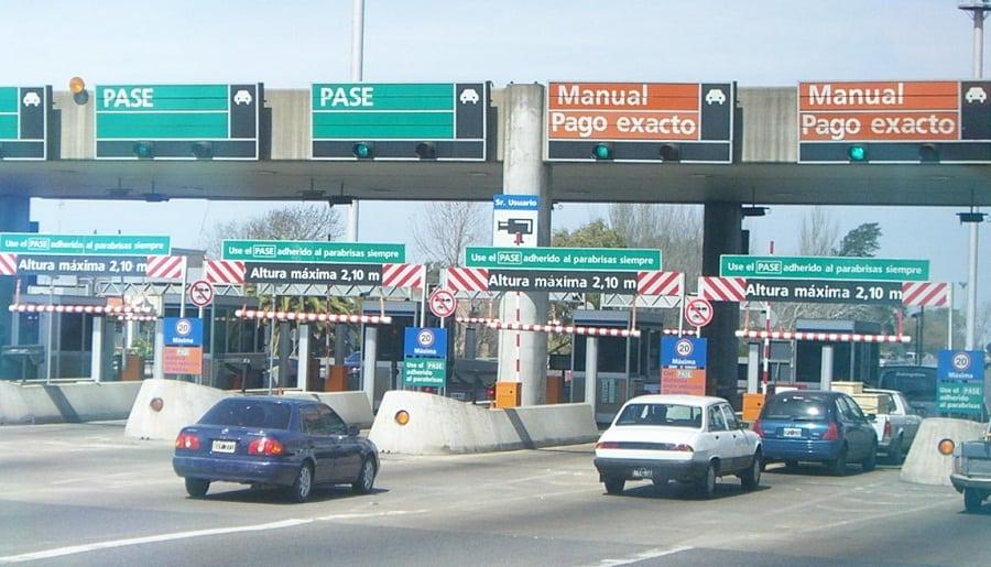 Aumento de los peajes: Llevan a $ 65 pesos el costo de la Autopista de Oeste  y a $85 pesos la Perito Moreno