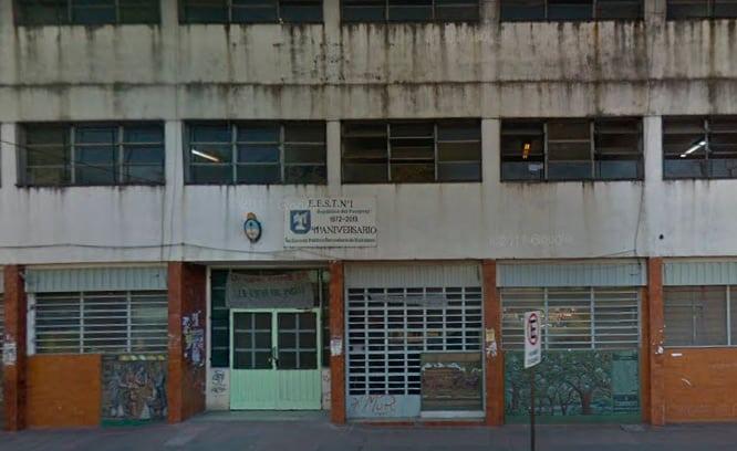 Se desprendió parte de la mampostería del techo de la Escuela Técnica Nª 1 de Ituzaingó