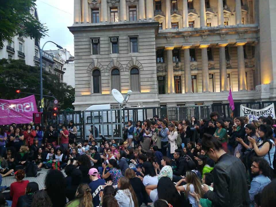 Hoy: Paro y movilización en repudio al femicidio de Lucía Pérez