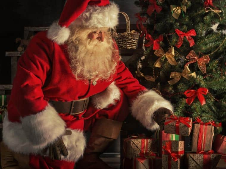 "Llega Papá Noel a la Plaza ""20 de Febrero"""