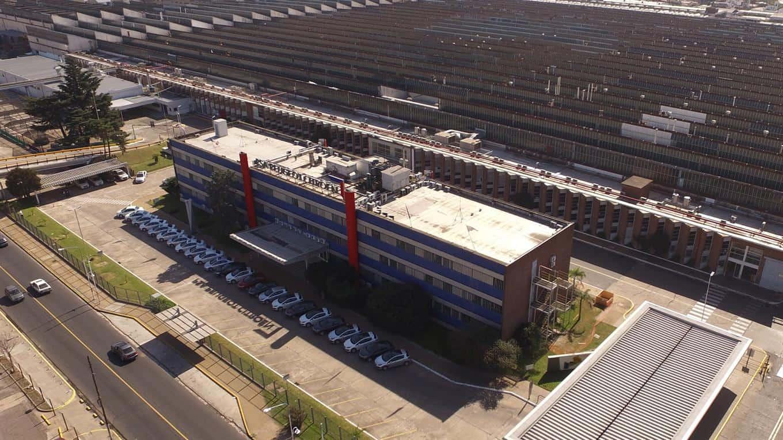 Morón: Peugeot suspende a 2000 operarios por dos meses