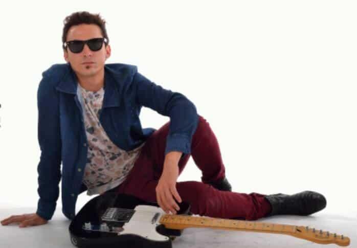 """Frans Banfield en Ituzaingó: """"El Rol del Rock en la Dictadura"""""""