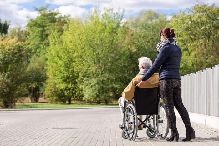 Desafíos que enfrentan familiares o cuidadores de personas con enfermedades crónicas