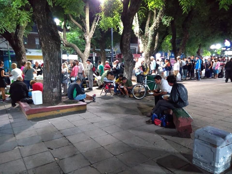 Ituzaingó: nace un nuevo grupo solidario que acompaña a personas en situación de calle