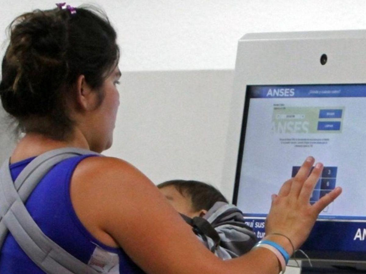 AUH: mil pesos por hijo en Septiembre y Octubre hasta el quinto hijo