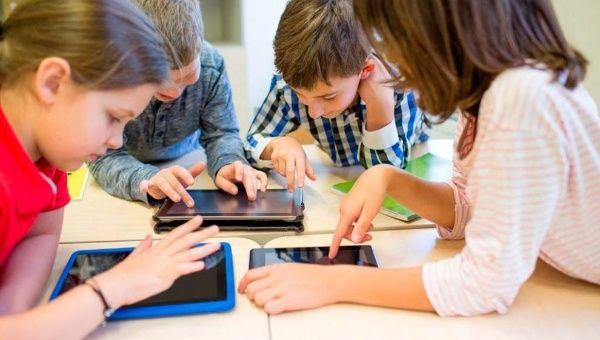 Día del Niño: el peligro de la adicción a la tecnología