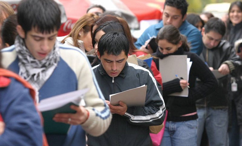 El Gobierno Nacional le entregará $ 5000 pesos a cada desocupado