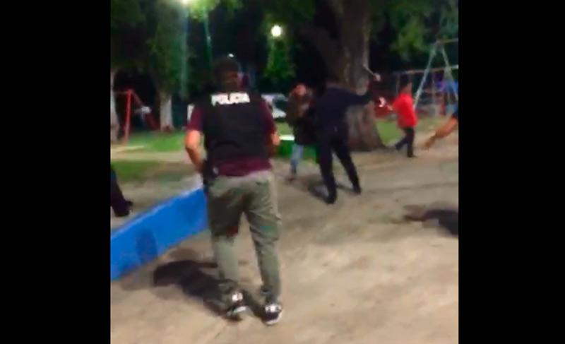 Corridas, detenciones y represión policial ayer en la Plaza Atahualpa