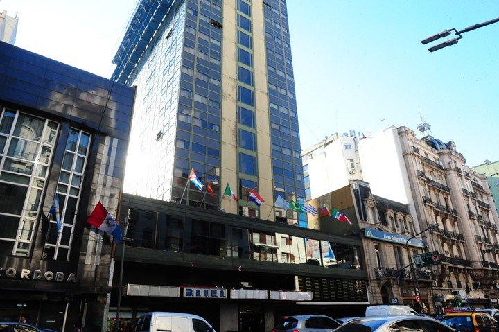 Hotel Bauen: Se preparan los trabajadores para resistir el desalojo
