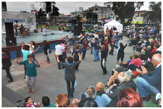 Convocan a talentos locales para cantar en la Plaza 20 de Febrero