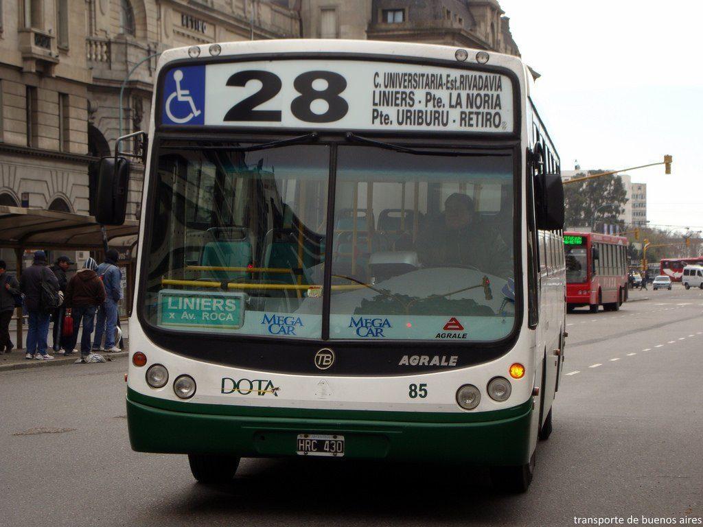 Paro sorpresivo de 38 líneas de colectivos en Capital y Conurbano