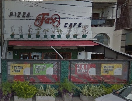 La histórica Pizzería FAX al borde del cierre