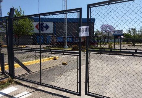 Cierran el Carrefour de Ituzaingó Sur por un caso de coronavirus 1