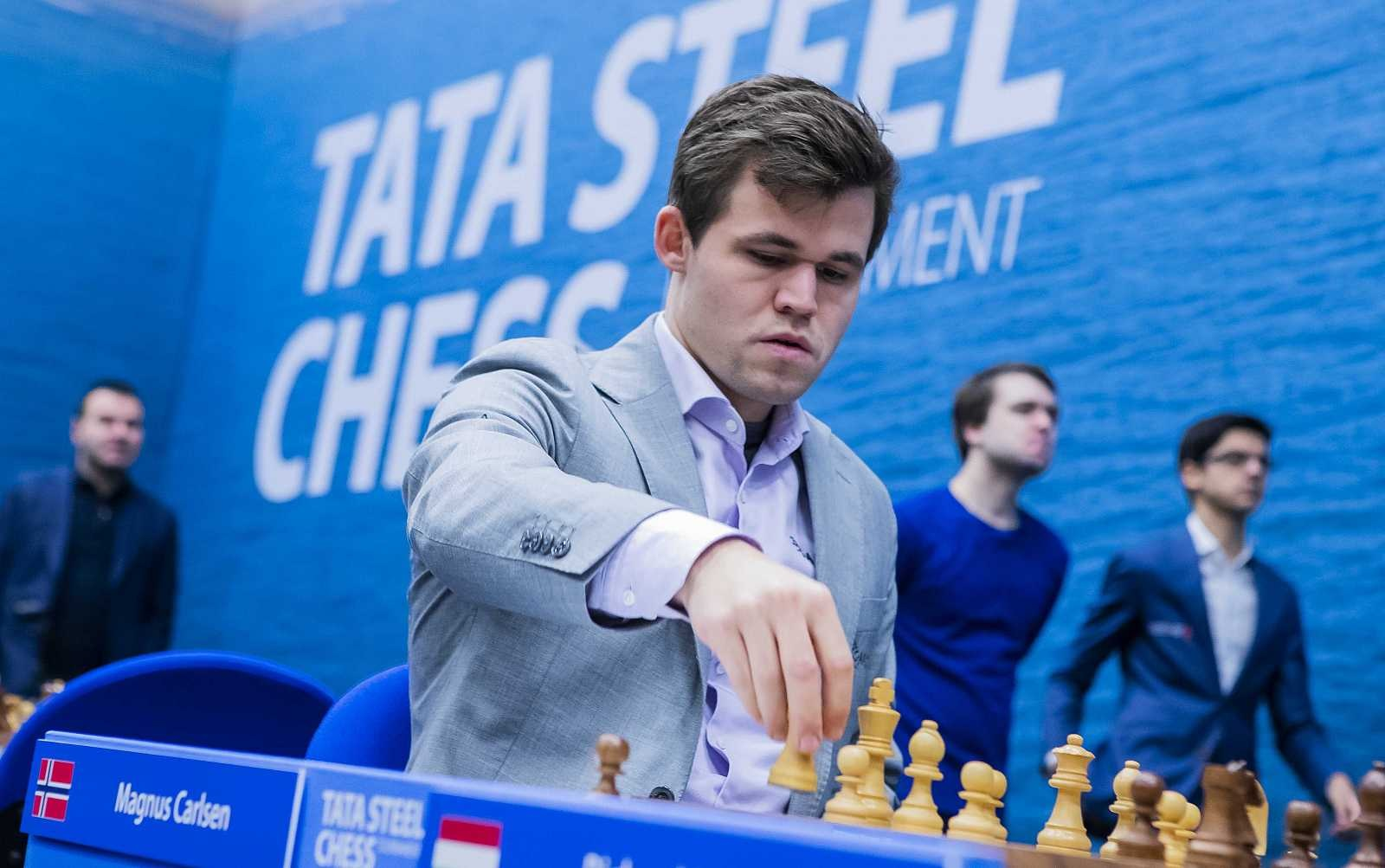 Dos astronautas jugarán una partida de ajedrez contra un gran maestro ruso