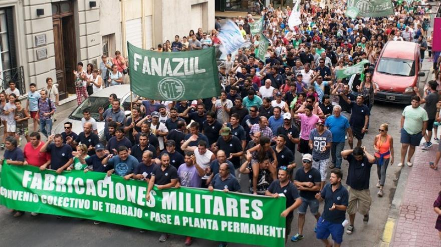 Reabre la fábrica Fanazul, un emblema de los despidos durante el Macrismo