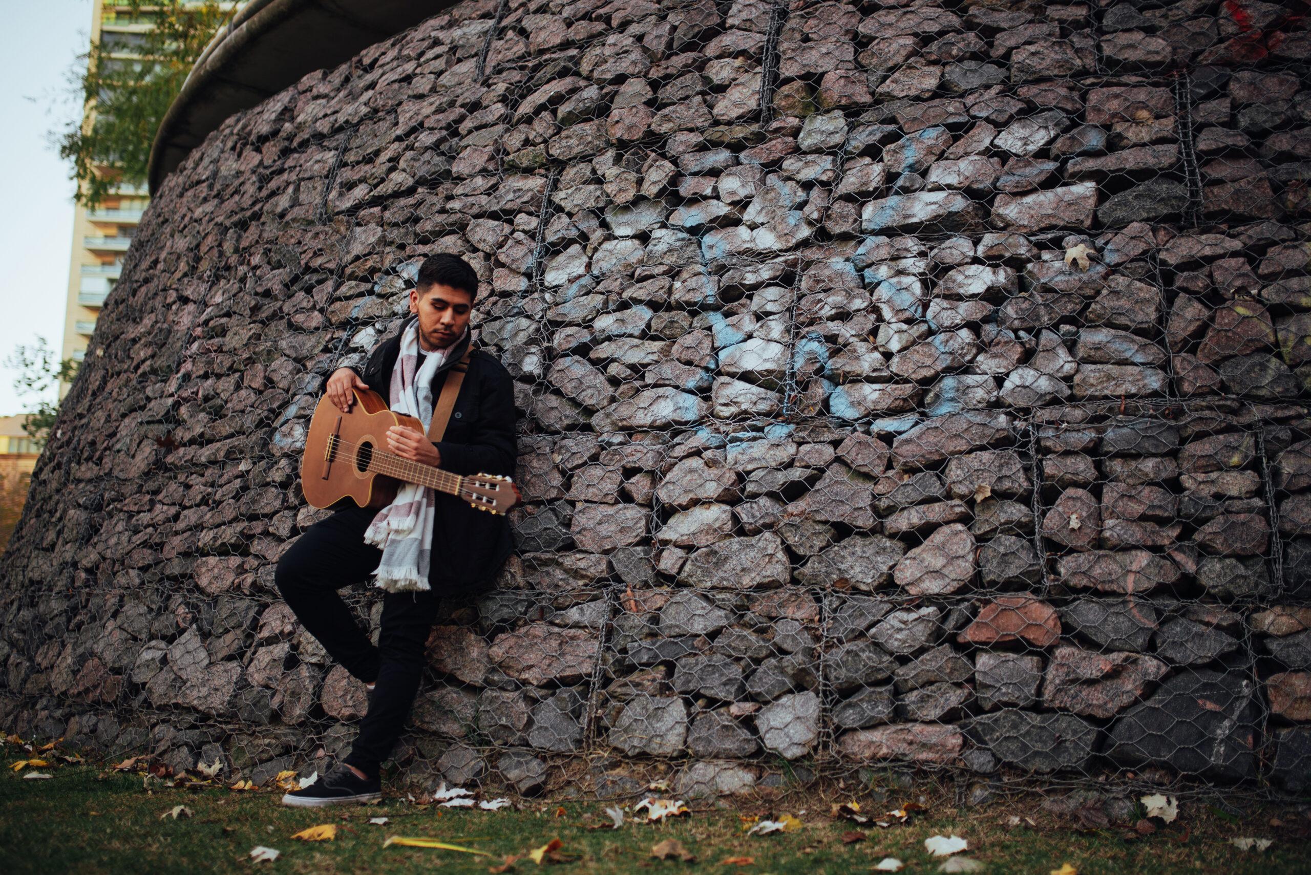 """Lucas Cejas presenta """"Buscándote"""", su nuevo single"""
