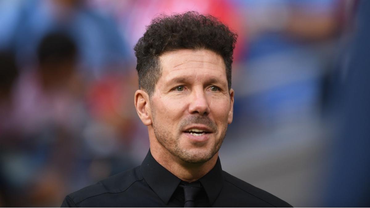 Un entrenador argentino, con COVID-19